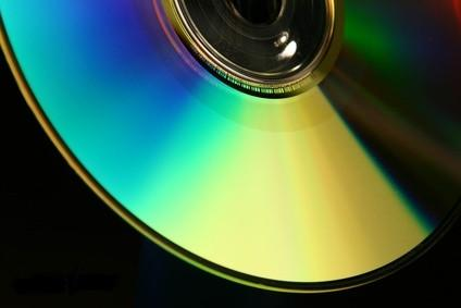 Come copiare Yahoo e-mail a un CD
