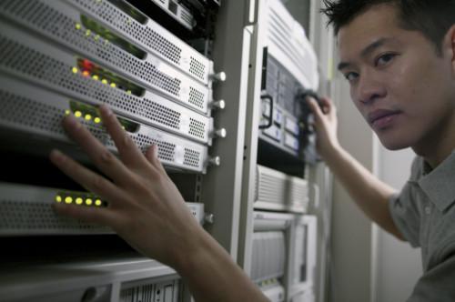 Come aggiungere più indirizzi IP alla scheda di rete in Linux