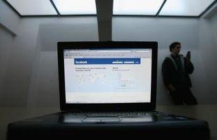 Come posso cambiare la mia password di Facebook dal mio BlackBerry?