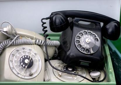 Come collegare un telefono tradizionale a un adattatore IP