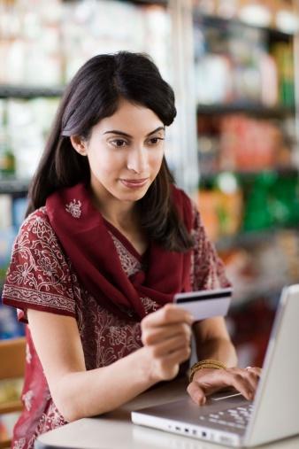 Si può pagare con una carta di credito tramite Paypal?