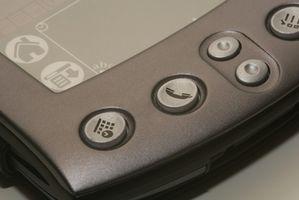 Come faccio a trasferire le informazioni da Palm One a Outlook?