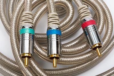 Qual è la differenza tra RGB e VGA Cable?