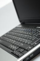 Come riparare il display LCD su un computer portatile