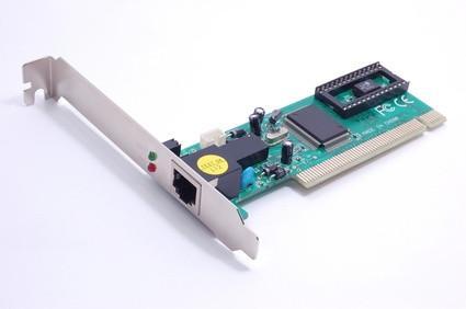 Come sostituire una scheda di rete in un computer HP Pavilion Slimline S7700N