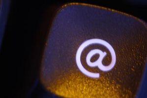 Perché è il simbolo @ negli indirizzi email?