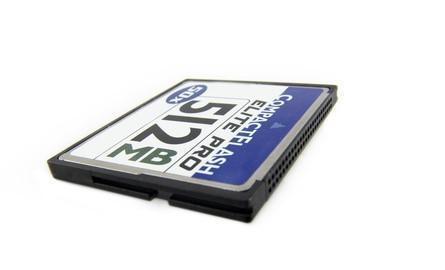 Come cancellare una scheda di memoria Compact Flash