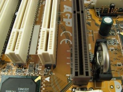 Schede madri che supportano 3.3V AGP