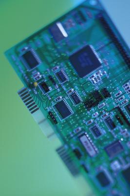 Come sostituire una scheda audio in un computer portatile Satellite