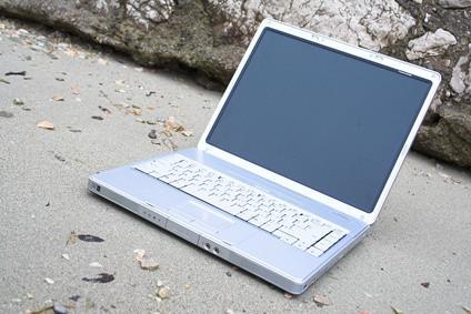 Come pulire uno schermo di computer su un Mac