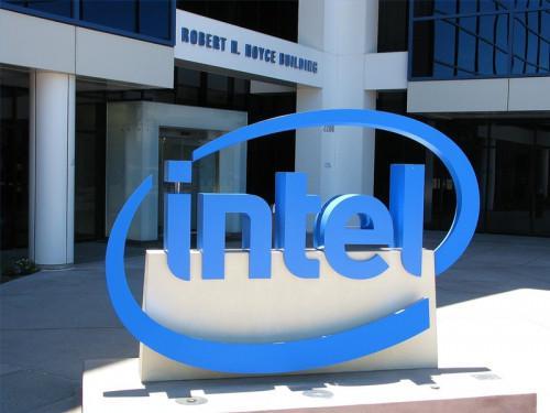 Qual è la differenza tra Celeron Pentium D Dual Core e processori?