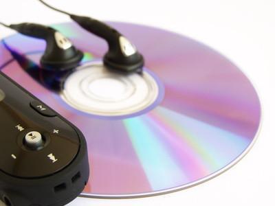 Come masterizzare 100 canzoni su un singolo CD-R