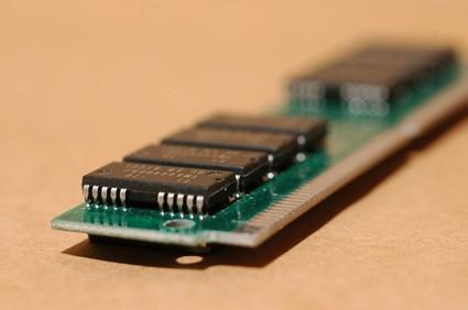 Come aggiornare la memoria in un Compaq Presario C300