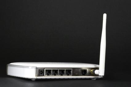 Come rimuovere un'antenna da un router