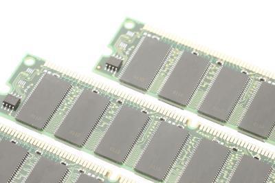Come trovare una scheda di memoria RAM per un Optiplex GX270