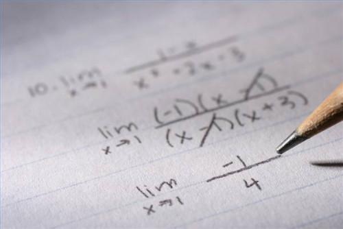 Quali sono i vantaggi dei fogli di calcolo elettronici?