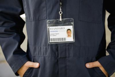 Come ottenere i codici a barre su carte d'identità