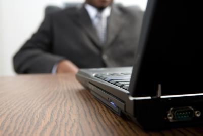 Come disattivare il Touchpad durante la digitazione su un notebook Acer