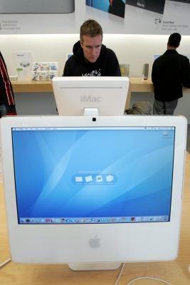 Come accedere a una cartella condivisa come un amministratore in Mac OS