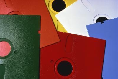 Come rimuovere la protezione da scrittura da un floppy disk