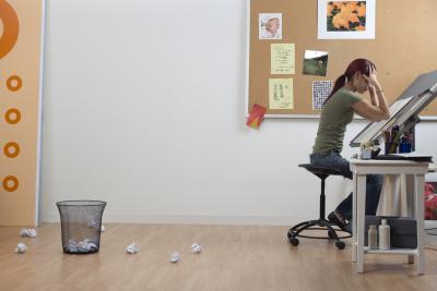 Come mettere una foto dietro la stampa in un documento di Word