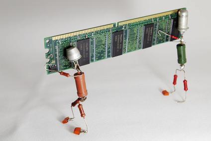 Differenze tra RAM DDR SDRAM &
