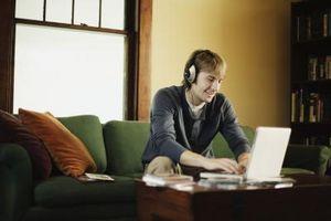 Come faccio a scaricare file musicali da Internet?