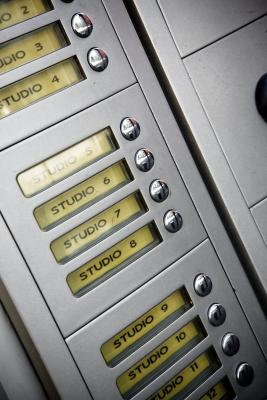 Vantaggi e svantaggi di normalizzare un database