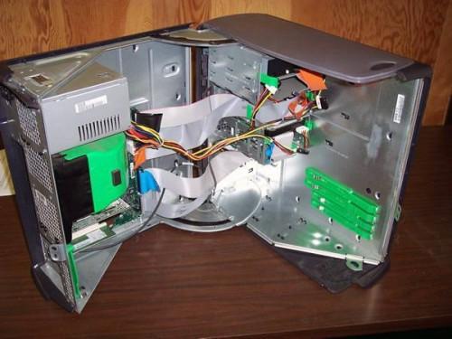 Come sostituire un disco rigido in una torre di computer Dell
