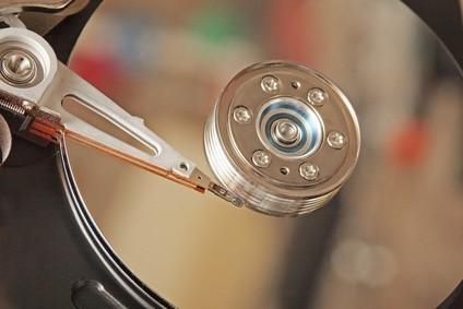 Come modificare il disco rigido in un Dell Inspiron 4000