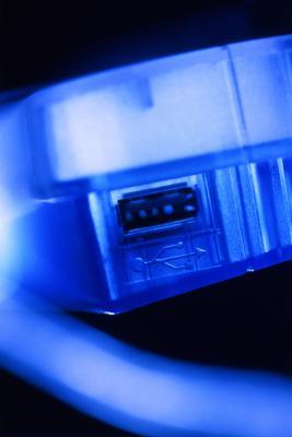 Posso collegare un desktop ad un router wireless via USB Dongle?