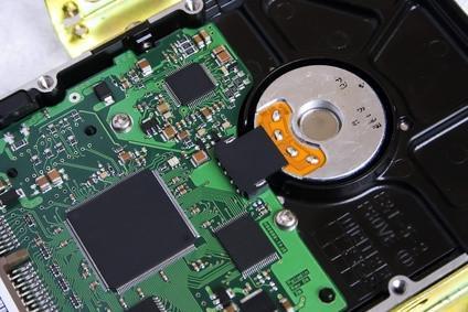 Come installare un disco rigido IDE in un Dell Dimension 8400