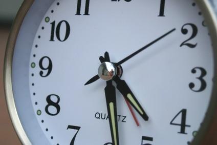 Come modificare un orologio da 24 ore per un ore 12