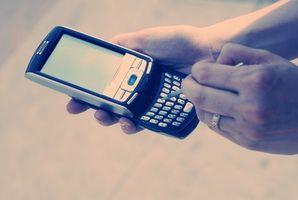 Come inviare il testo a un telefono cellulare da Internet