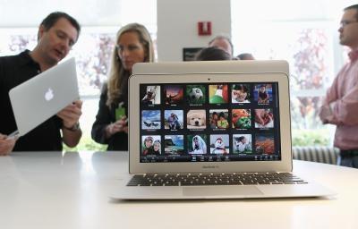 Posso usare un altro monitor con il mio Mac Book?