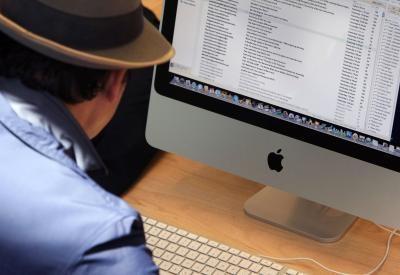 Come creare un PNG per uno sfondo cartella Mac