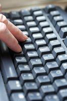 Come pratica digitando su una tastiera di computer