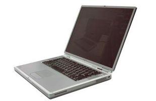 Come sostituire una tastiera del computer portatile su un padiglione