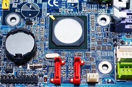 Come sostituire la batteria del cellulare un Dell 8600 madre