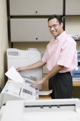 Come utilizzare una rete per un HP 2100 stampante