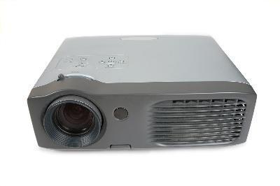 Come installare un sistema di video proiettore in una Chiesa