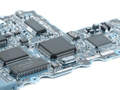 Come verificare un condensatore con un multimetro digitale