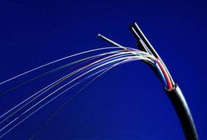 Definizione di larghezza di banda per cavo in fibra ottica