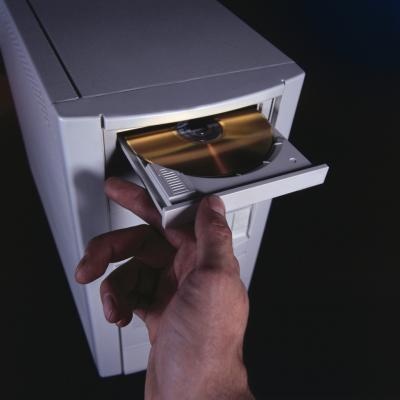 Come configurare un computer per l'avvio dall'unità CD-ROM