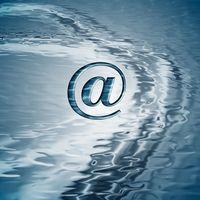 Come faccio a inoltrare email di gruppo Out of My Address libro a qualcuno?