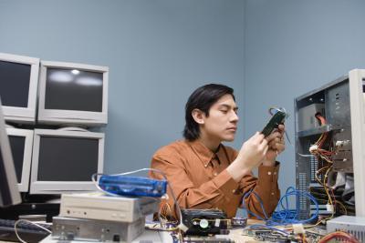 Quali sono le differenze tra una scheda PCI e uno slot PCI-E?