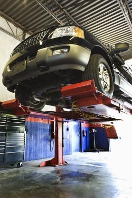 Come impostare un computer per una riparazione nuova auto negozio