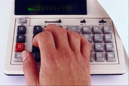 Come caricare il rotolo di carta in un calcolatore