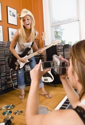 Come collegare una videocamera digitale come webcam