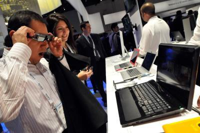 Come collegare una tastiera senza fili a un desktop Sony Vaio